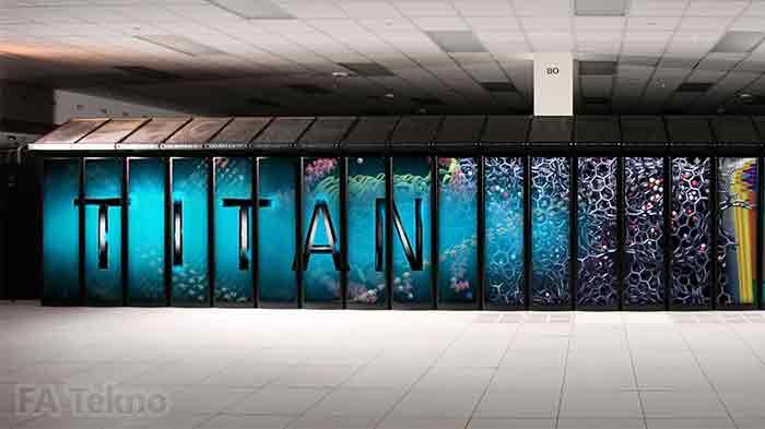 Titan Super Komputer