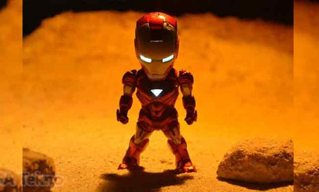 AI JARVIS pada kostum Iron Man