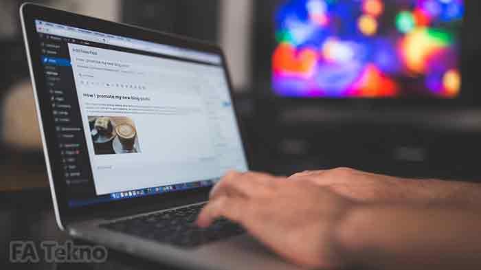 CMS (Content Management System) membantu user mempermudah pengembangan website