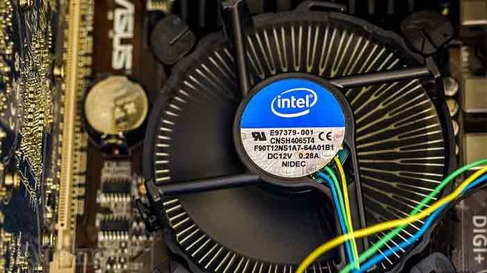 Prosesor intel beserta cooling fan