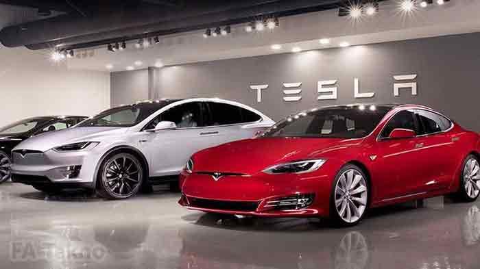 Mobil Tesla